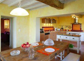 grande cuisine ouverte sur la terrasse avec BBQ et vue panoramique