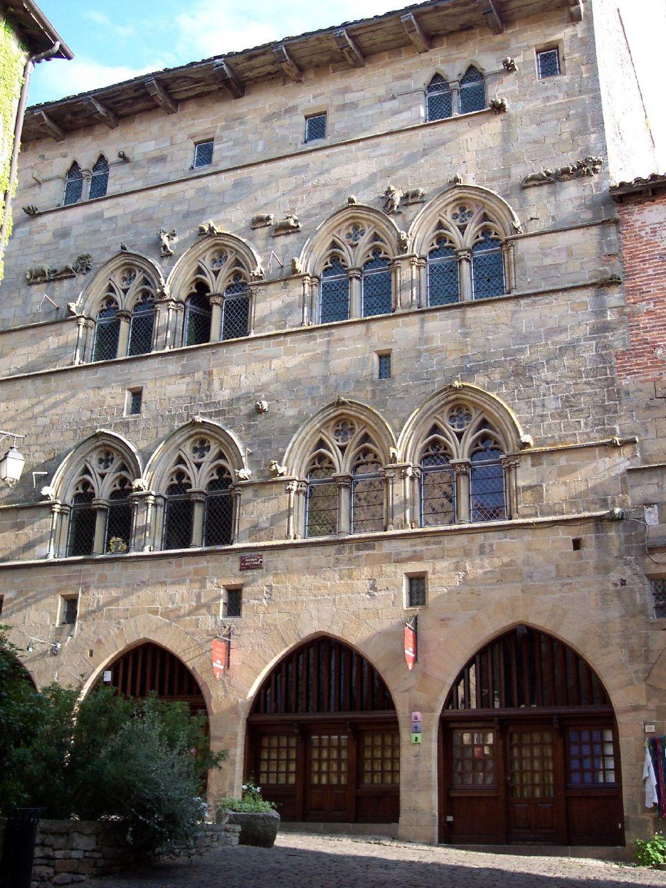La façade d'un des demeures historiques de Cordes sur Ciel - © Tarn tourisme